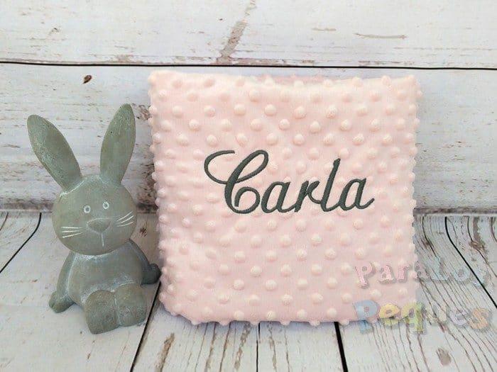 Manta rosa para bebe bordada en gris oscuro