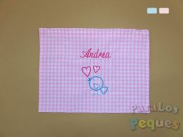 Bolsa de mudas rosa para bebe bordada con nombre