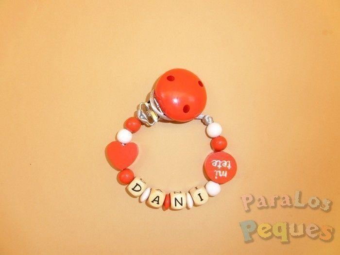 chupetero madera personalizado rojo para bebe