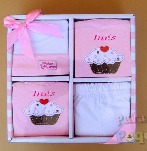 Regalo para bebe. Conjunto de ropa muffins rosa bordado