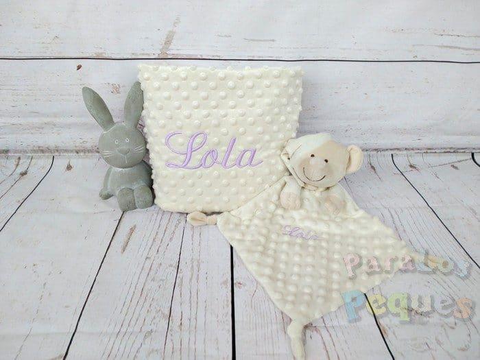 DouDou y Manta beige bordado lila para bebe