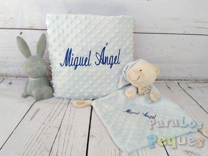 DouDou y Manta azul bordado azul oscuro para bebe