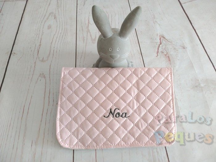 Portadocumentos bebe rosa bordado en gris