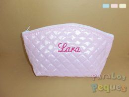Neceser bebe rosa bordado en fucsia