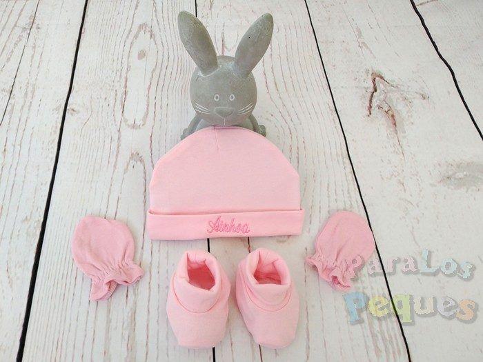 Regalo bebe conjunto gorro bordado, guantes y patucos rosa