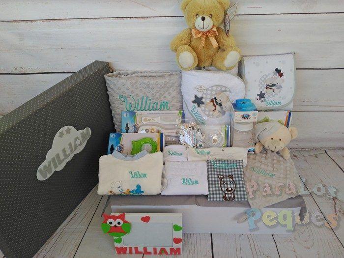 Cesta bordada para bebé muchomimo blanca y gris bordada menta