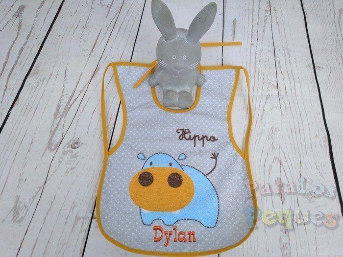 Babero plastificado hipo bordado bebe para guardería y colegio
